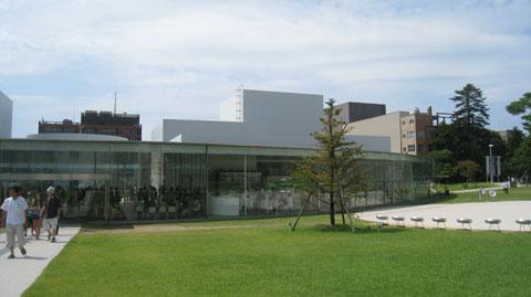 21世紀美術館は、 美容室 旅館 ホテル マンション デザイン 設計 建